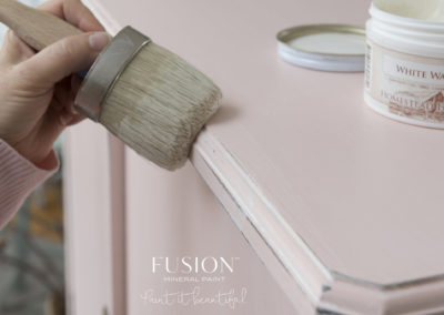 Fusion_Mineral_Paint_English_Rose_white_wax_application_2